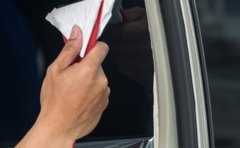How to Repair Car Window Tint